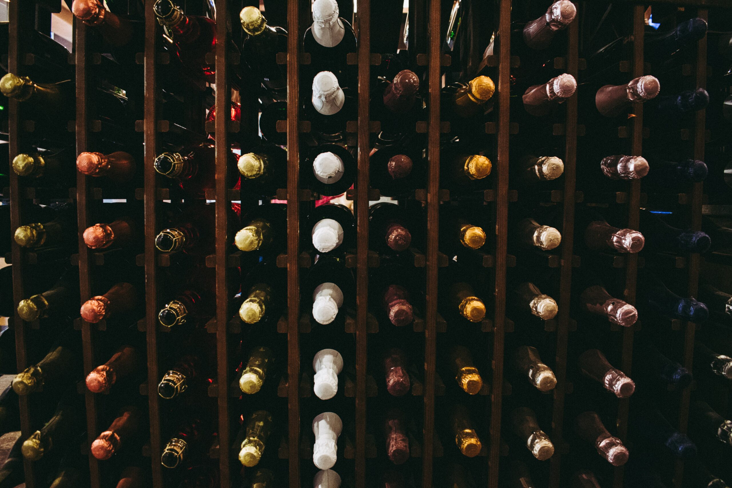 ingrosso-vino-bianco-rosso-spumanti-torino-cosmodrink
